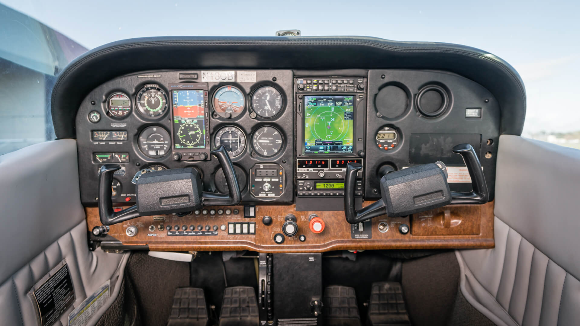 Flight Training Airplanes